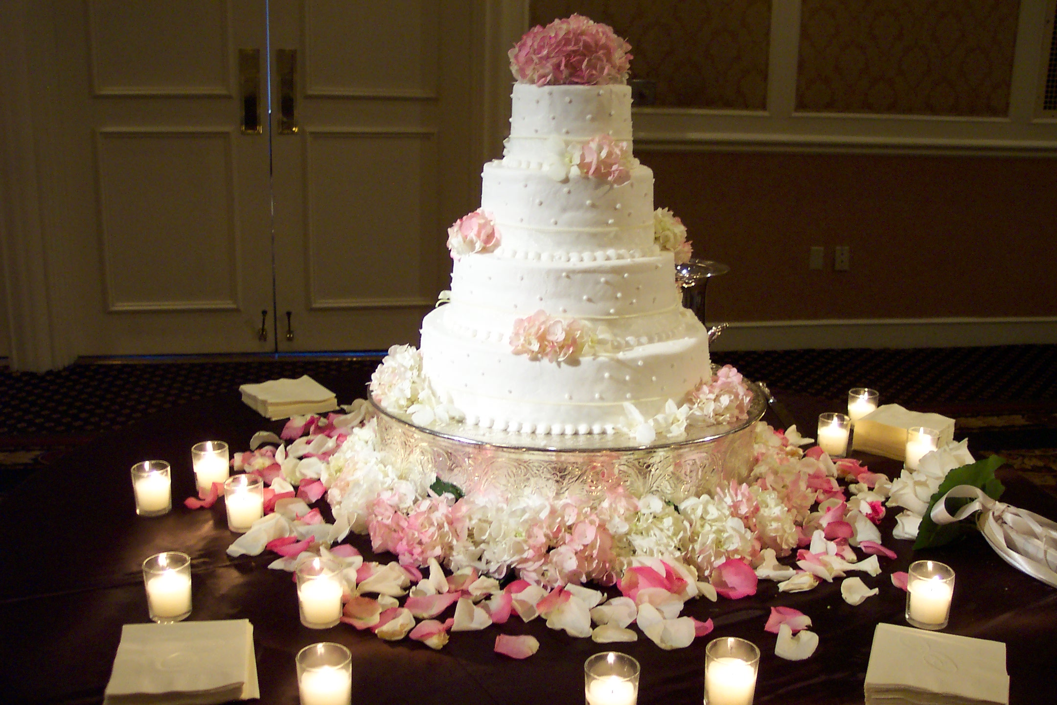 Elegant wedding reception at Loew s Vanderbilt Nashville ...