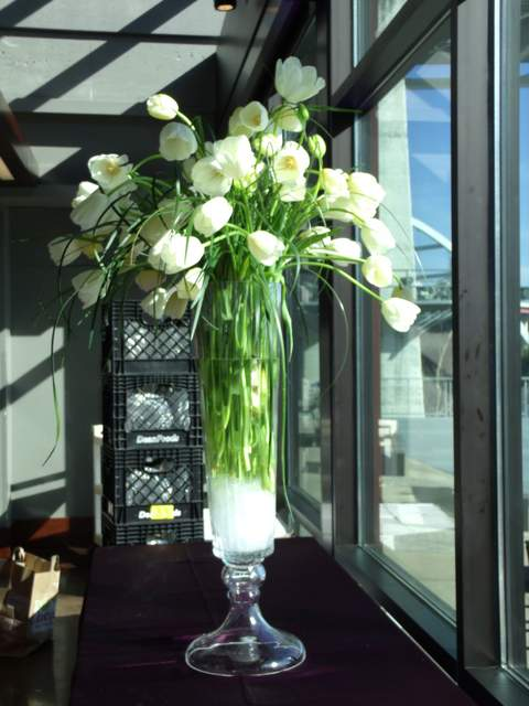 contemporary tulip arrangement